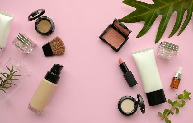 10月11月入社 積極採用中!化粧品×品質管理